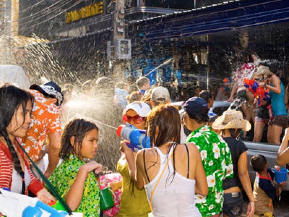 Songkran_2556_thmb