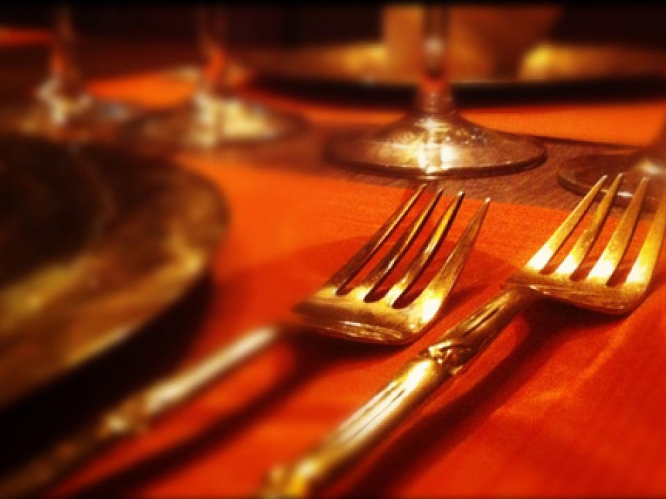 Tenedores de bronce en Thai Barcelona