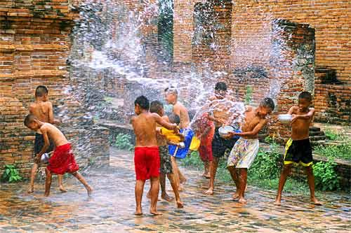 Songkran | Fiesta Thai en el Arc de Triomf